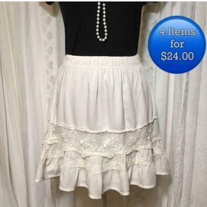 Abercrombie and Fitch off white skirt size XS